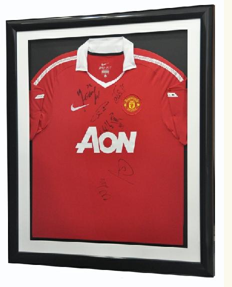 Framed Manchester United Shirt