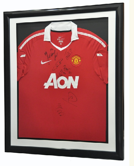 Framed Manchester United Shirt